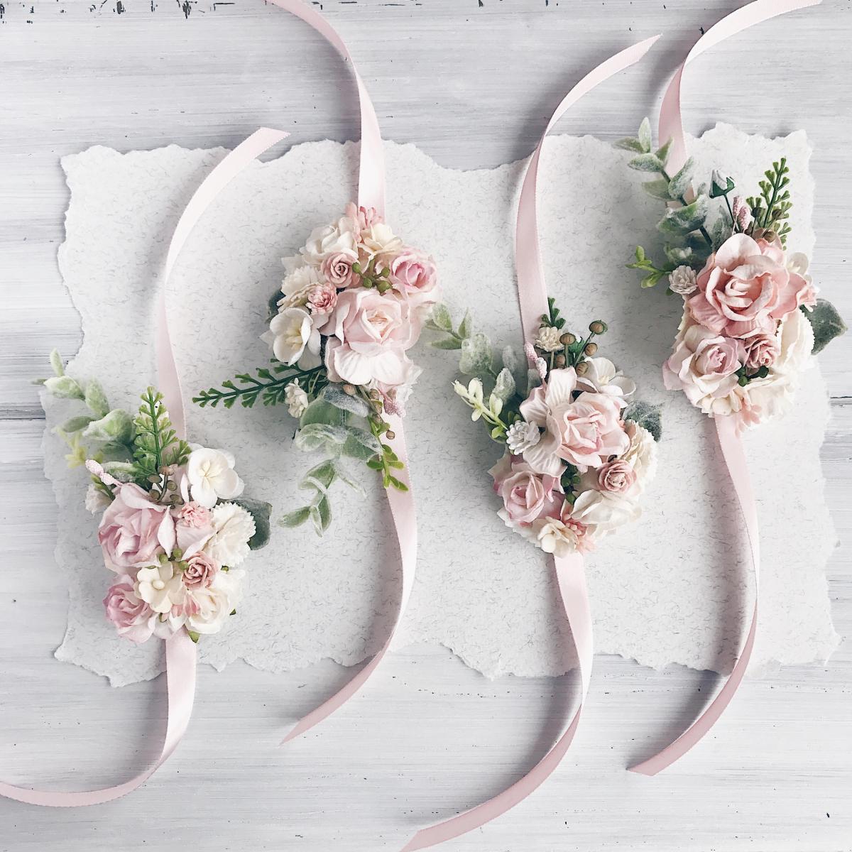 Bouquet Sposa Bracciale.Bouquet Da Polso Pro E Contro Matrimonio Nelle Marche