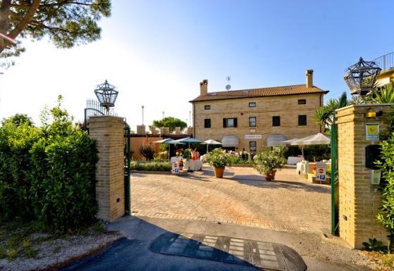 Matrimonio Spiaggia Marche : Location matrimoni marche ancona ascoli piceno fermo