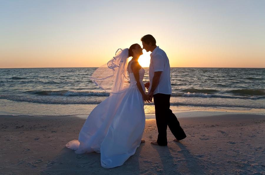 Matrimonio In Spiaggia Immagini : Matrimonio in spiaggia nelle marche matrimonio nelle marche